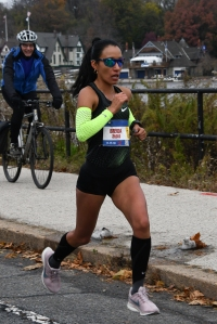 Brenda Flores MEX wins Rothman 8K-5064