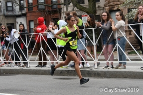 Des Linden of Michigan is a fan favorite. Linden won in 2018, placed 5th in 2019 in 2:27:00.