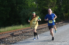 Kirk Millikan of Richmond, VA ran 3:30:44 dressed as a taco. Matt Puffer #725 of Valparaiso, IN finished 42 seconds in front of the treat.